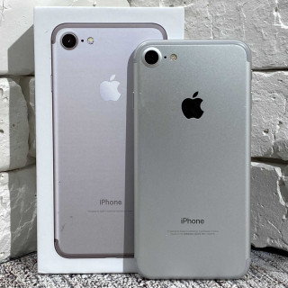 iPhone 7 128Gb Silver б/у