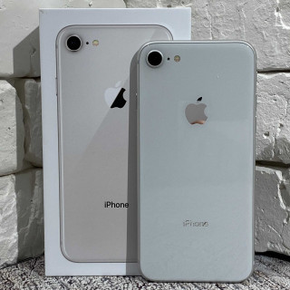 iPhone 8 256Gb Silver б/у